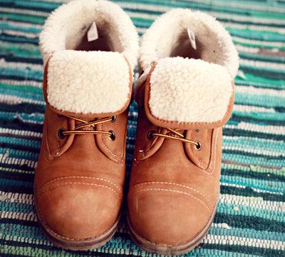 Warmes Schuhwerk.
