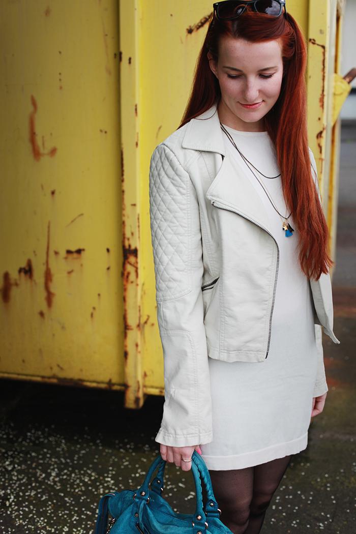 weiße-lederjakce-outfit