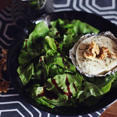 Rezept: Salat mit Ziegenkäse und Honig