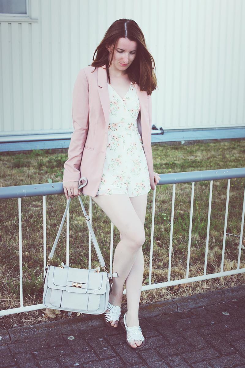 outfit-blumen-jumpsuite