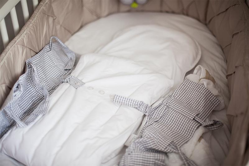 baby-erstausstattung-schlafen-stokke-cosyme-schlafsack-02