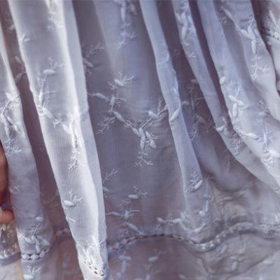 Outfit: Zartes florales Kleid von Chicwish