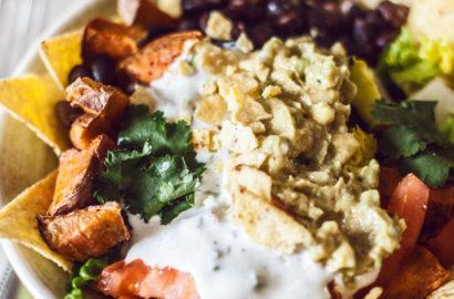 Leckeres Süßkartoffel-Nacho-Bowl Rezept